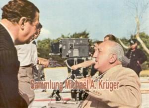 """Fritz Kampers und der Regisseur Karl Ritter bei den Dreharbeiten zu """"Über alles in der Welt"""""""