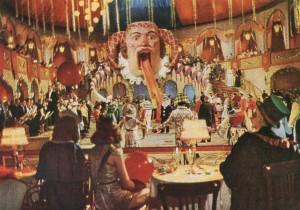 """Szenenfoto der Karnevalsszene im Harlan-Film """"Opfergang"""" (1944)  Karnevalsszene im Harlan-Film """"Opfergang"""" (1944)"""